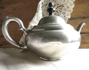 Antique Teapot, Vintage TEA BALL Tea Pot Built-In Infuser Landers,Frary and Clark Tea Time