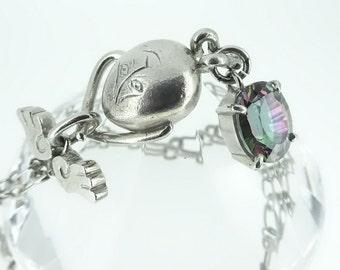 namaco (Mr. sea cucumber) necklace gemstone