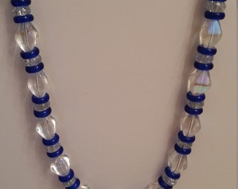 Necklace in various colors