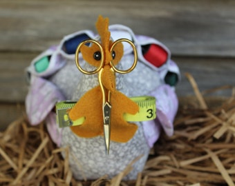 Meet Sophi Softfeathers! Adorable vintage handmade chicken pin cushion.