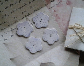 Mauve flower buttons