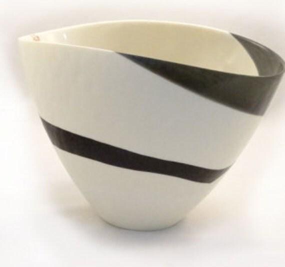 Ivory Mother Of Pearl Floor Vase In 2019: Sinfonia Murano Glass Ivory Black And Mother Of Pearl Vase