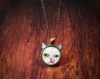 Milico - White Cat Pendant Necklace blue and green eyes - Painting Pet Portrait