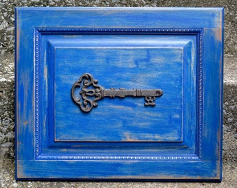 Handcrafted Antique Style Key Wall Decor