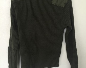 Vintage US Military Issue Wool Sweater size 40 green warm winter outdoors gear