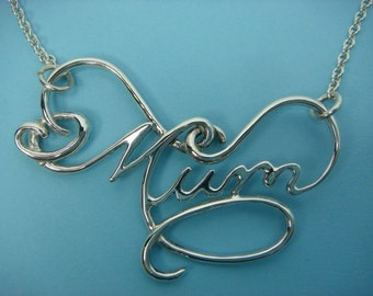 Mum pendant. Flourished handwritten word/name pendant in sterling silver.
