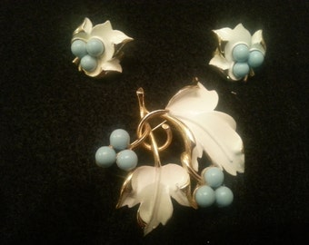 Vintage signed Sarah Coventry brooch and earrings with white leaves and baby blue berries