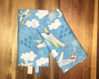 Set of Baby drool pads, fits most baby carriers,Tula beco boba, baby wearing, airplanes reversible