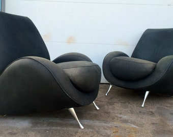 French Kiss American Leather Lounge Chairs with Distressed Leather
