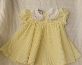 Vintage Yellow Dress, Size 12 Month Girls,Yellow Pleated Dress, Embroidered Flower on Collar,  Short Sleeve Dress, FREE SHIPPING