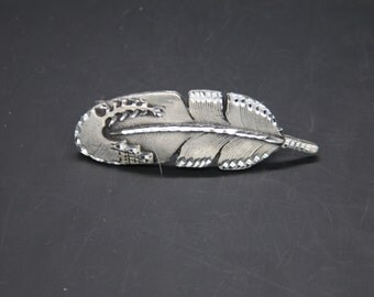 dove feather barrette. 50 mm french clip