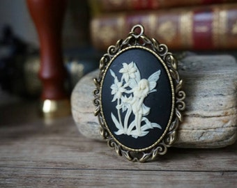 "Cameo ""Fairy and Flowers"""