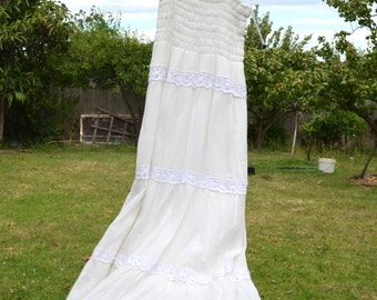 Vintage white maxi dress with embroidery detailing