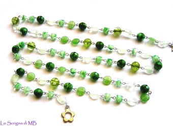 Long necklace with glass beads in shades of green