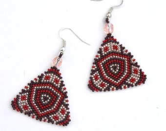 triangular beaded earrings, Native American style, peyote earrings, beadwork jewelry, ethnic style, dangle and drop earrings, boho style