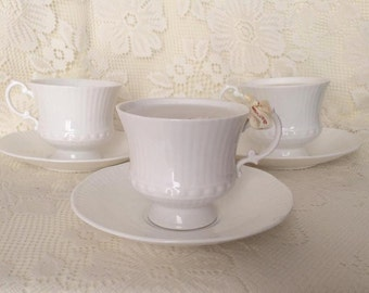 White China Teacup & Saucer Candle