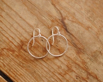 Simple Circle Earring | Sterling Silver