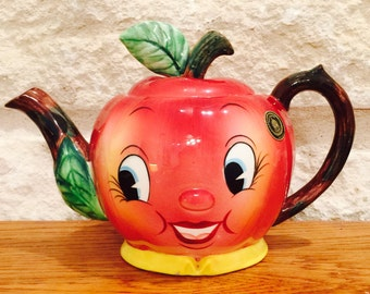 Vintage PY Norcrest Anthropomorphic Apple Tea Pot