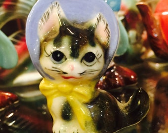 Vintage Anthropomorphic Kitten in a Bonnet Figurine by Norcrest of Japan