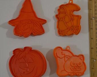 4 Vintage HALLMARK HALLOWEEN COOKIE Cutters | 1970s Witch Cat Pumpkin/Jack O'Lantern