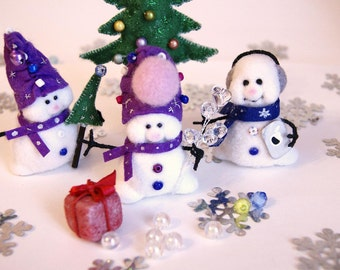Snowmen-needle felted snowmen-gnomes-sculpture.