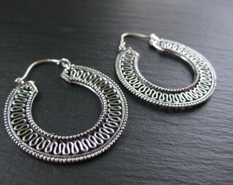 Silver Hoop Earrings . Boho Chic Bohemian Gypsy Jewelry . Filigree Earrings . FREE SHIPPING in Canada . Zarishop