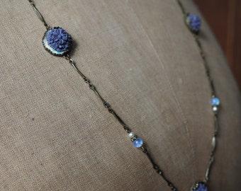Collar purple flowers