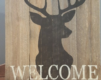 Rustic Pallet Wood Deer Sign with Welcome Saying