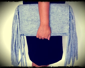Clutch gray with side fringes