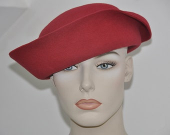 Chapeau femme callotte peau lapin  rouge ethnique batik