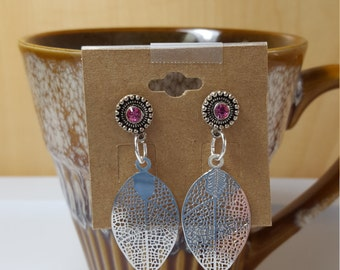 Filigree teardrop earrings with pink gems