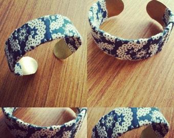 Bracelet with fabric