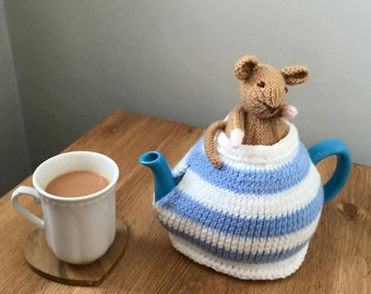 Hand Knitted Tea Cosy - Peeking Mouse