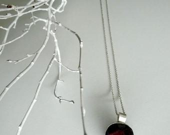 Minimal Garnet Silver Necklace