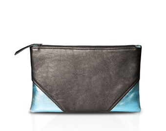 "Clutch ""Eric"" - black / blue metallic - Leather"