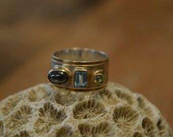 Ring ring set with semi precious stones