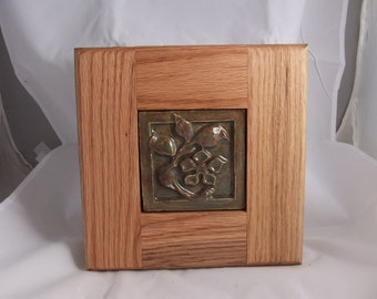 Ceramic Tile Flower-Oak Frame-Green