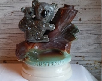 Vintage 1973 Jim Beam Distilling Co. Decanter Depicting a Mother and Baby Koala on a Tree in Australia. Provenance on Decanters Bottom.