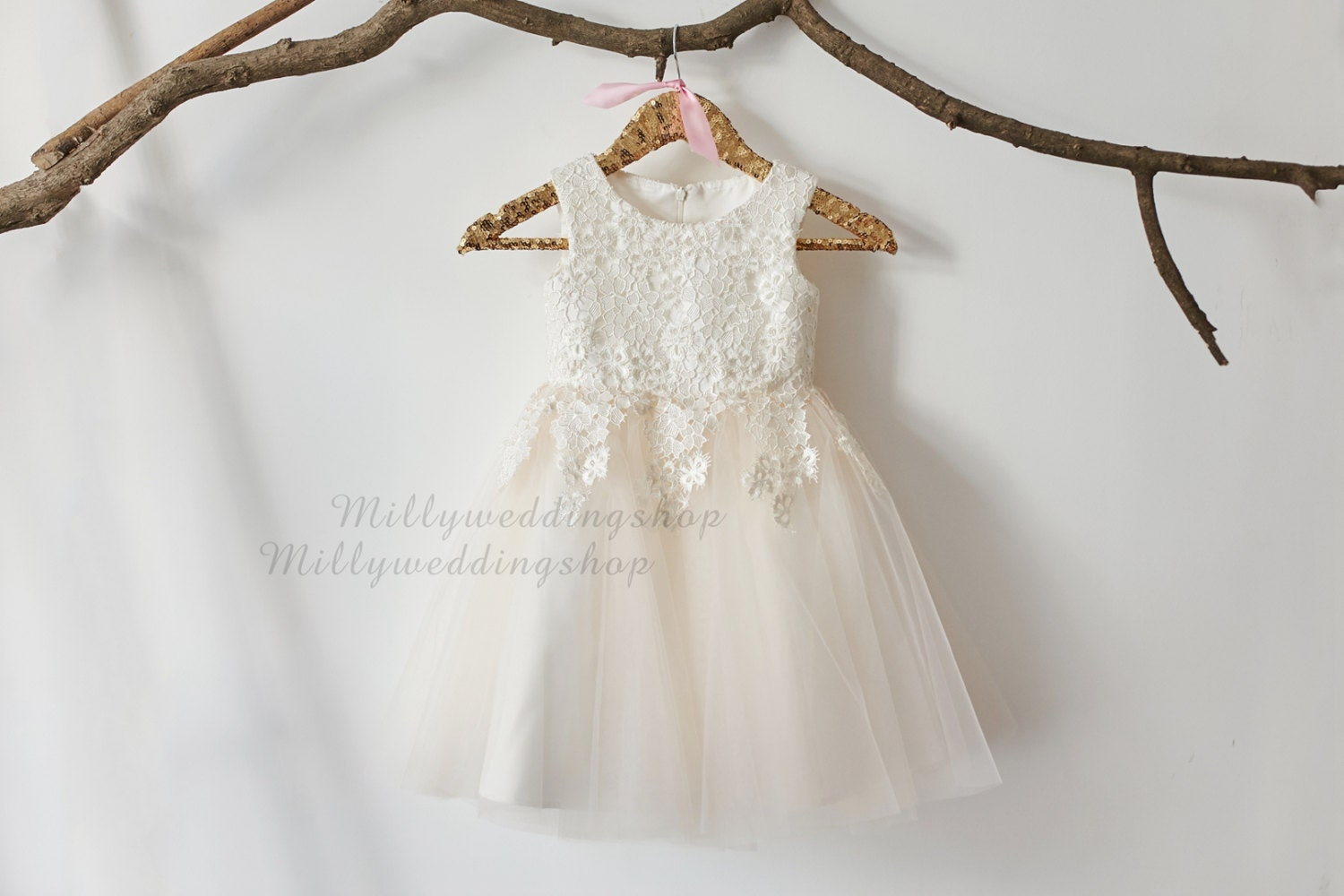 Ivory lace champagne tulle flower girl dress wedding for Flowers for champagne wedding dress