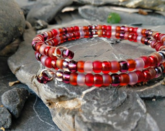 Shades of Red Beaded Memory Wire Bracelet - Beaded Memory Wire Bracelet - Beaded Bracelet - Red Beaded Bracelet - Bangle - Gift for Her