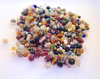 Bag of Vintage Beads-Mixed Lot (B)