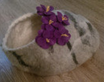 Cat cave pebble natural color with flowers/cat bed/felt bed/pet bed