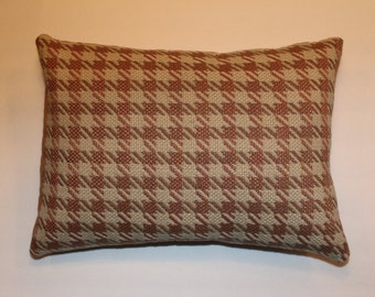 Exclusive 12x16 Pink and Beige Houndstooth Decorative Throw Lumbar Pillow