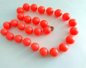 Vintage, 1980s, necklace, salmon pink necklace, bead necklace, vintage necklace, kitsch necklace, pink necklace, vintage beads, 1980s beads