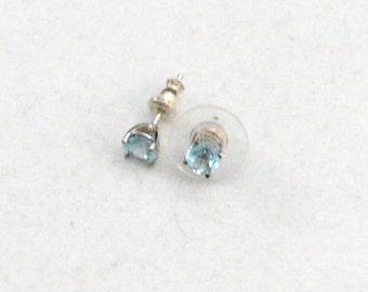 Aquamarine Stud Earrings, Silver Stud Earrings, Sterling Silver Earrings, 925 Aquamarine Earrings    J1092