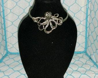 Octopus bracelet -  nautical jewelry - octopus bangle - beach jewelry