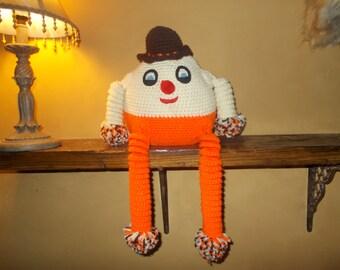 crocheted humpty dumpty in great fall colors