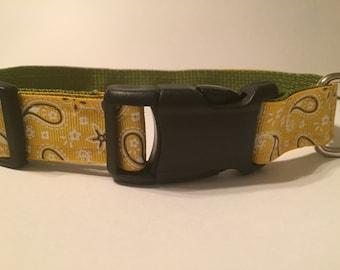 Large Dog Collar - Yellow/Gold Paisley