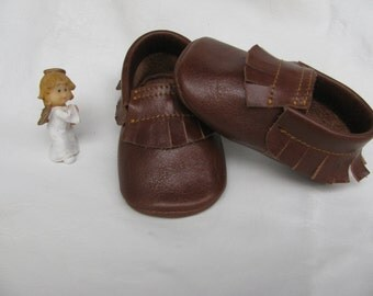 Baby moccasins.Brown genuine leather baby moccasins.Infant moccasins.Newborn.Genuine baby. 3 to 36 moccasins.Leather moccasins.