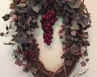 Oval Grape Cluster Wreath